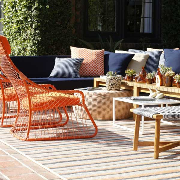 color splash of color to your outdoor entertaining area