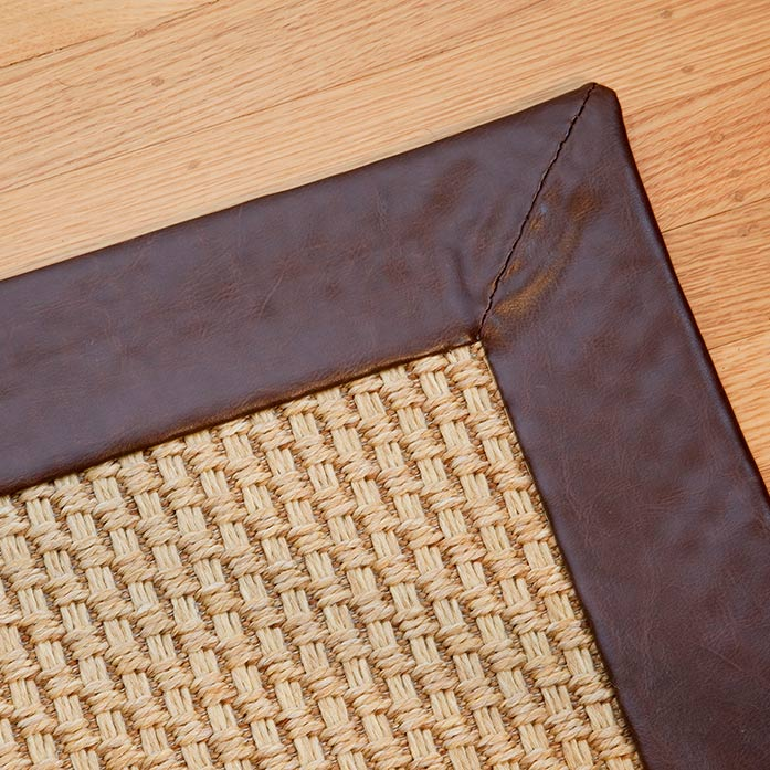 close-up: oxford with leatheressence binding and mitered corners